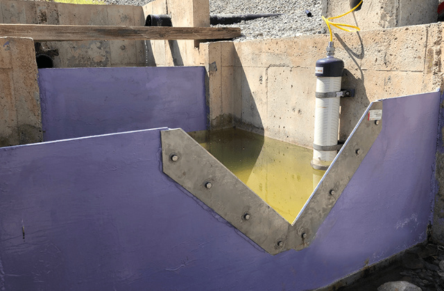 Example installation of V-Notch (Triangular) and Vibrating Wire Weir Monitor